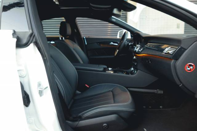メルセデス・ベンツCLS550 AMGスポーツパッケージ ローダウン