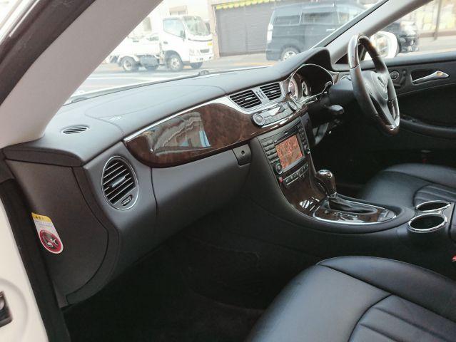 メルセデス・ベンツCLS550 後期ワンオーナー V8 サンルーフ 本革シートヒーターご成約済み0000008528