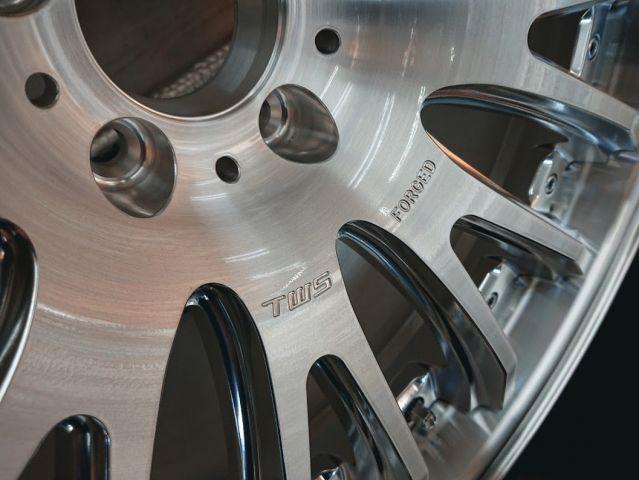 AMG(メルセデスAMG)TWS【新品未使用】TWS EX-fM 20インチ鍛造 R230SL サンディングミラーポリッシュ(306)  ご成約858102