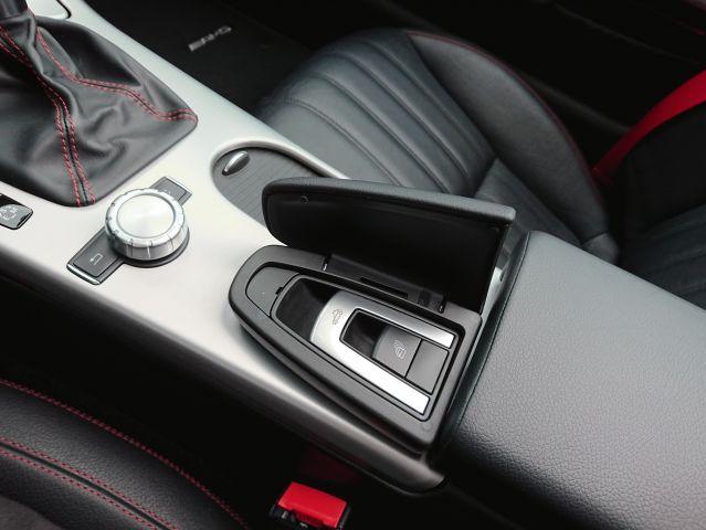 メルセデス・ベンツSLK350 AMGスポーツパッケージ AMG4本出しマフラーご成約0000009101
