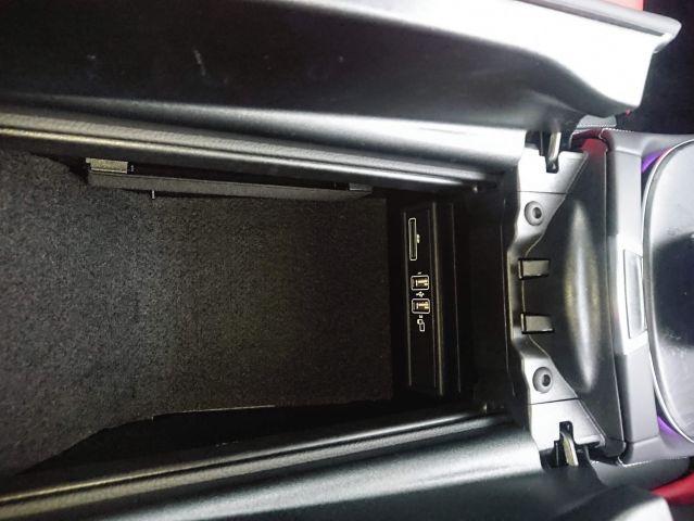 メルセデス・ベンツE300クーペスポーツ 東京オートサロン出展車両ご成約0000009775