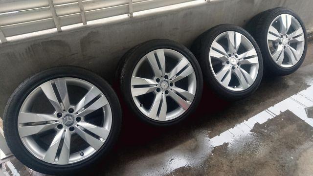 メルセデス・ベンツCLS/W219 18インチ5ダブルスポークホイール タイヤセット中古(328)993902
