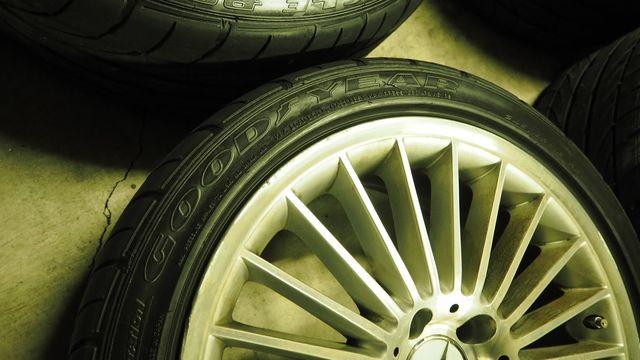 メルセデス・ベンツAMGAMGスタイリング5 タイヤ付きスタッドレス用途等におススメ W219CLS/R230SL(336)1023002
