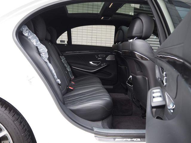 AMG(メルセデスAMG)S63ロング4MATIC