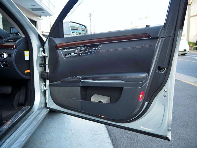 メルセデス・ベンツS550ロング ラグジュアリーパッケージ法人ワンオーナー車両0000010523