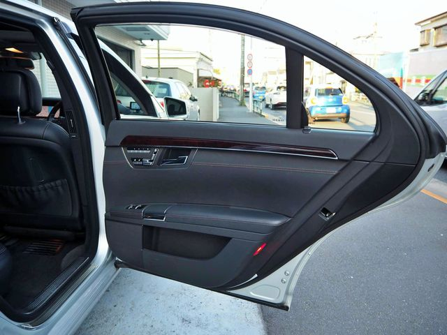 メルセデス・ベンツS550ロング ラグジュアリーパッケージ法人ワンオーナー車両0000010524
