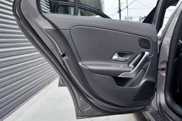 メルセデス・ベンツA180エディション10000010611
