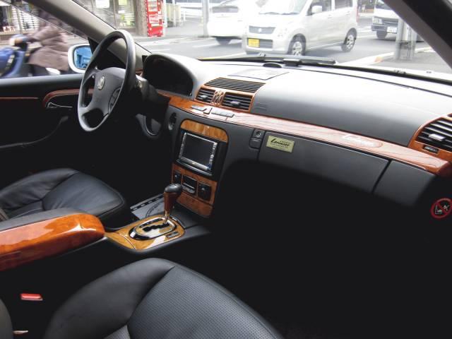 AMG(メルセデスAMG)W2200000000647