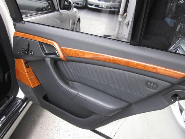 AMG(メルセデスAMG)W2200000000649