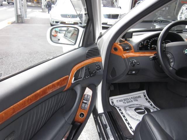 AMG(メルセデスAMG)W2200000000654